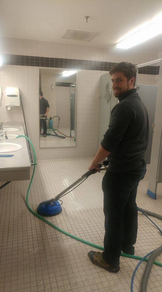 tile cleaner at work